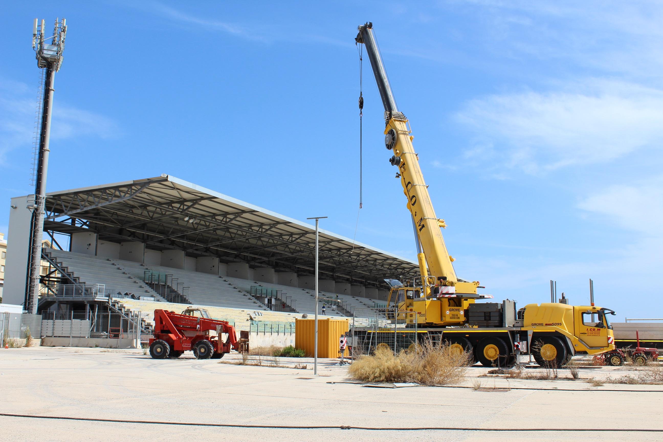 Is arenas iniziati i lavori di smontaggio della main for Piani di costruzione di stand del ristorante